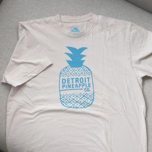 Moosejaw t-shirt, Detroit Pineapple Company, L